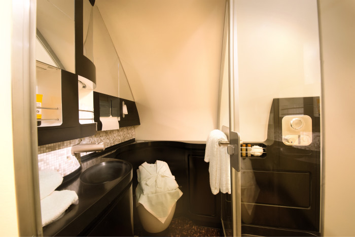 Etihad The Residence Bathroom