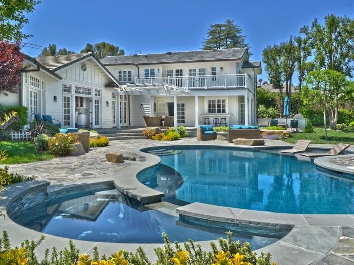 Selena Gomez Tarazana Home 19