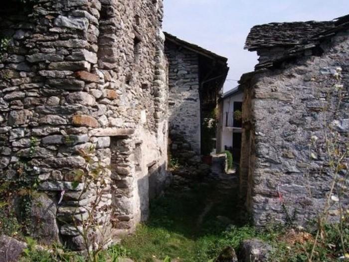 Italian Village of Calsazio 1