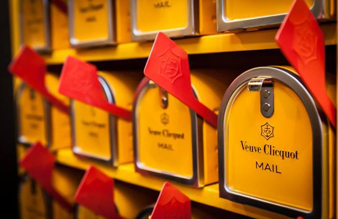 Veuve Clicquot Mail 3