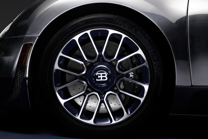 Ettore Bugatti Veyron Legend Edition 5