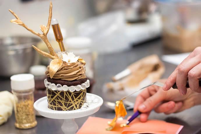 Le Dolci $900 Cupcake - 1