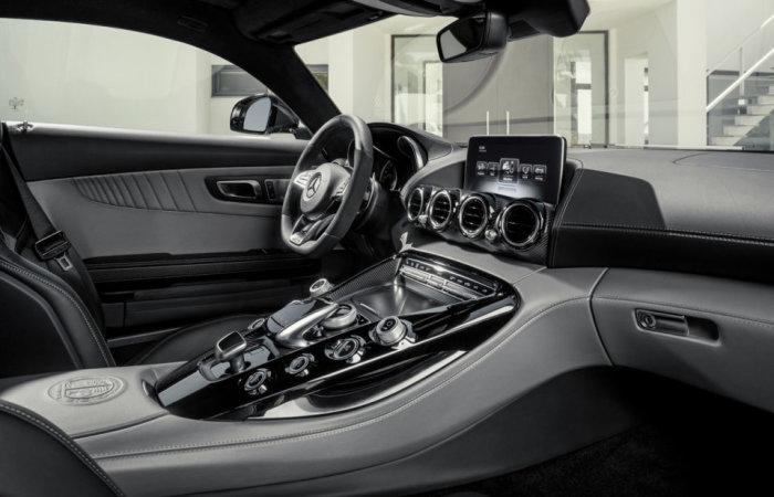 2016 Mercedes-AMG GT 7
