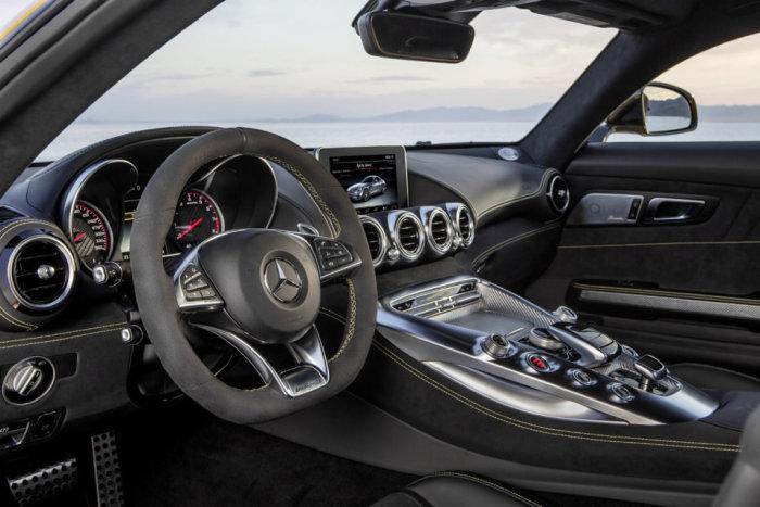 2016 Mercedes-AMG GT 8