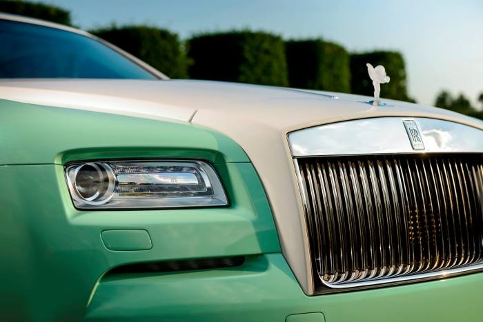 Rolls-Royce Wraith Lime Green 3