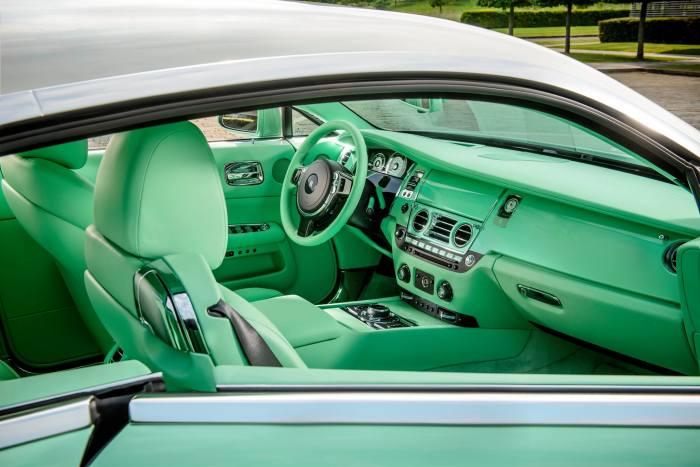 Rolls-Royce Wraith Lime Green 4