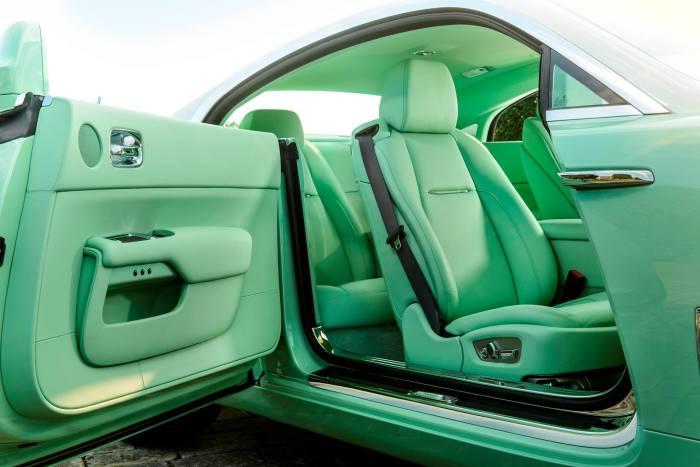 Rolls-Royce Wraith Lime Green 5