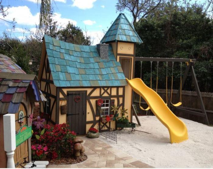 Lilliput Play Homes 3