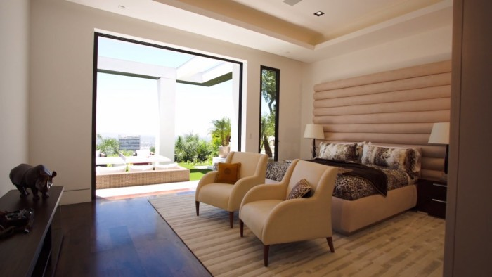 Markus Persson's Beverly Hills Mansion 7
