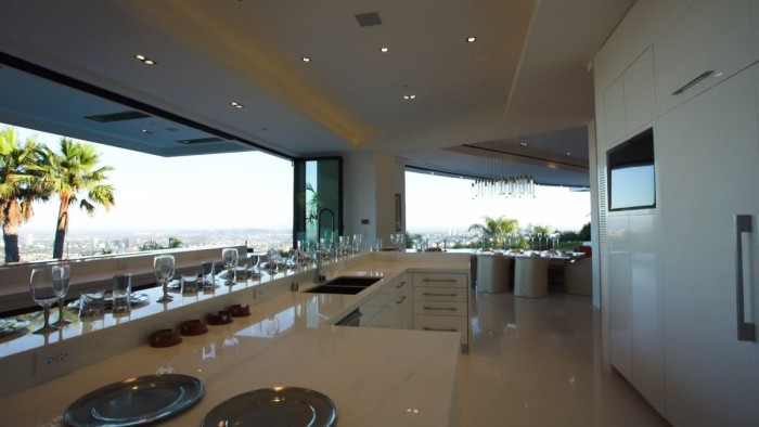 Markus Persson's Beverly Hills Mansion 8