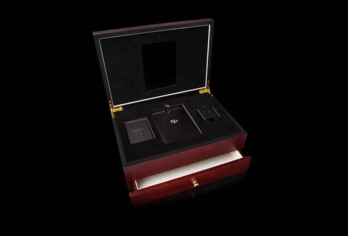 Goldgenie BalckBerry Passport Platinum 2