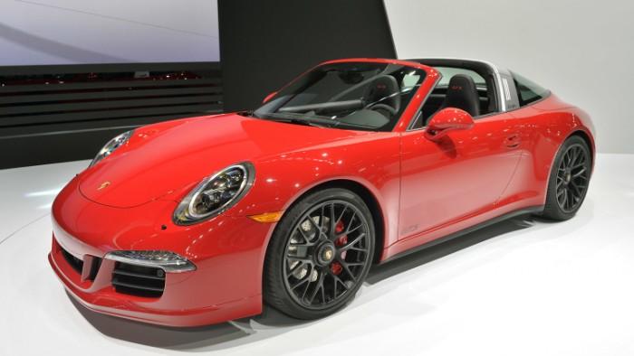 Porsche 911 Targa 4 GTS 1