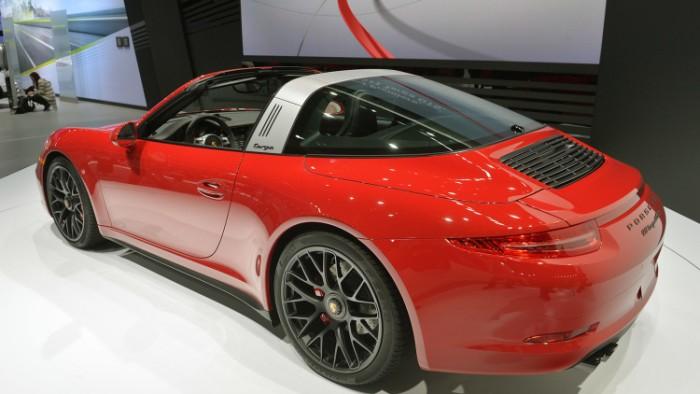 Porsche 911 Targa 4 GTS 2