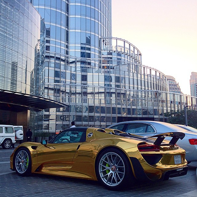 Porsche 918 Spyder Gold Chrome 2