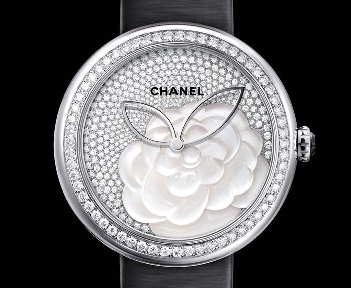 Chanel Mademoiselle Prive Decor Camelia Nacre