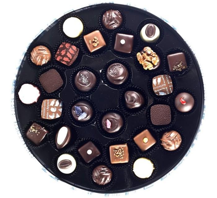 Rococo Chocolate Round Box 5