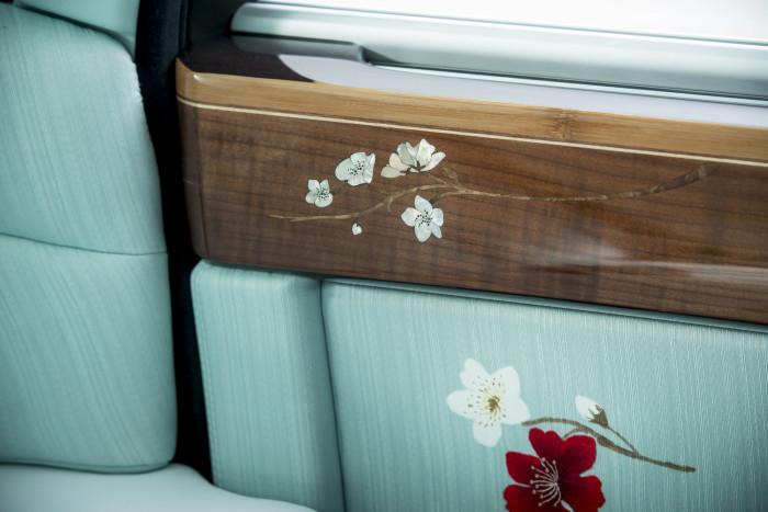 Rolls-Royce Serenity 13