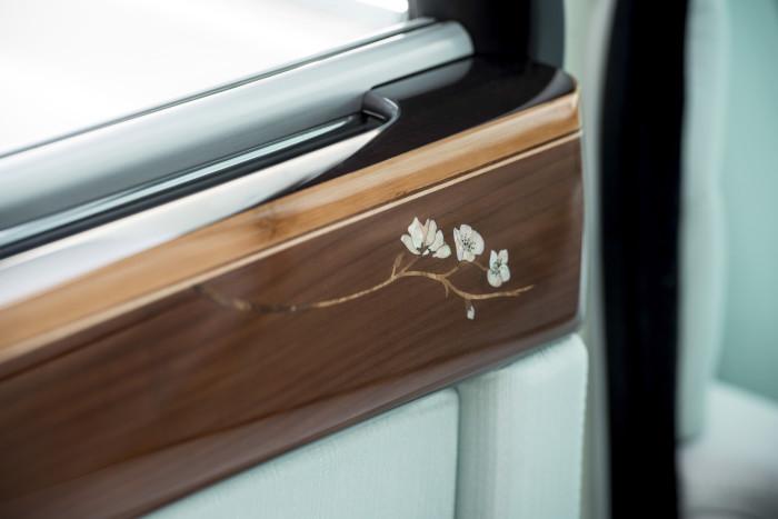 Rolls-Royce Serenity 14