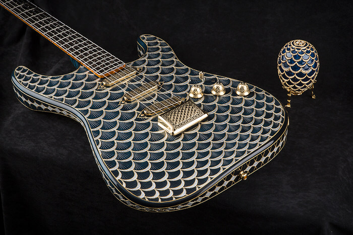 Fender Pine Cone Stratocaster 3