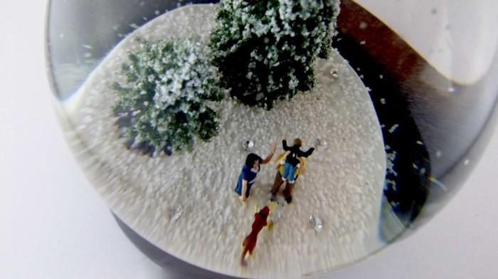 Leah Andrews Diamond Christmas Snow Globe