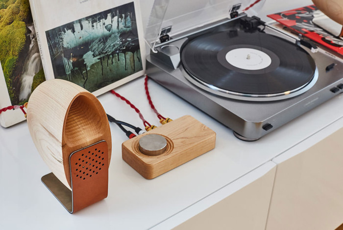Grovemade Walnut Speaker