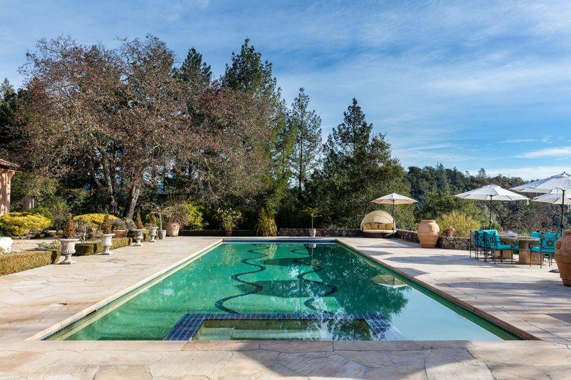 Napa Valley Vineyard Estate