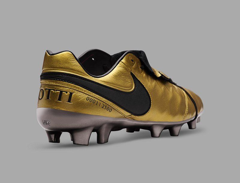 Nike Tiempo Totti X Roma Boot