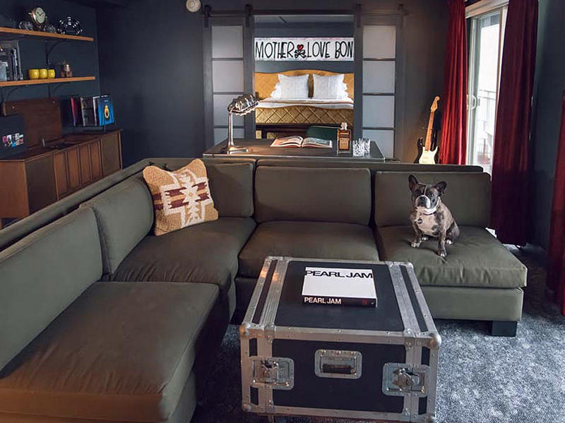 Pearl Jam Suite Edgewater