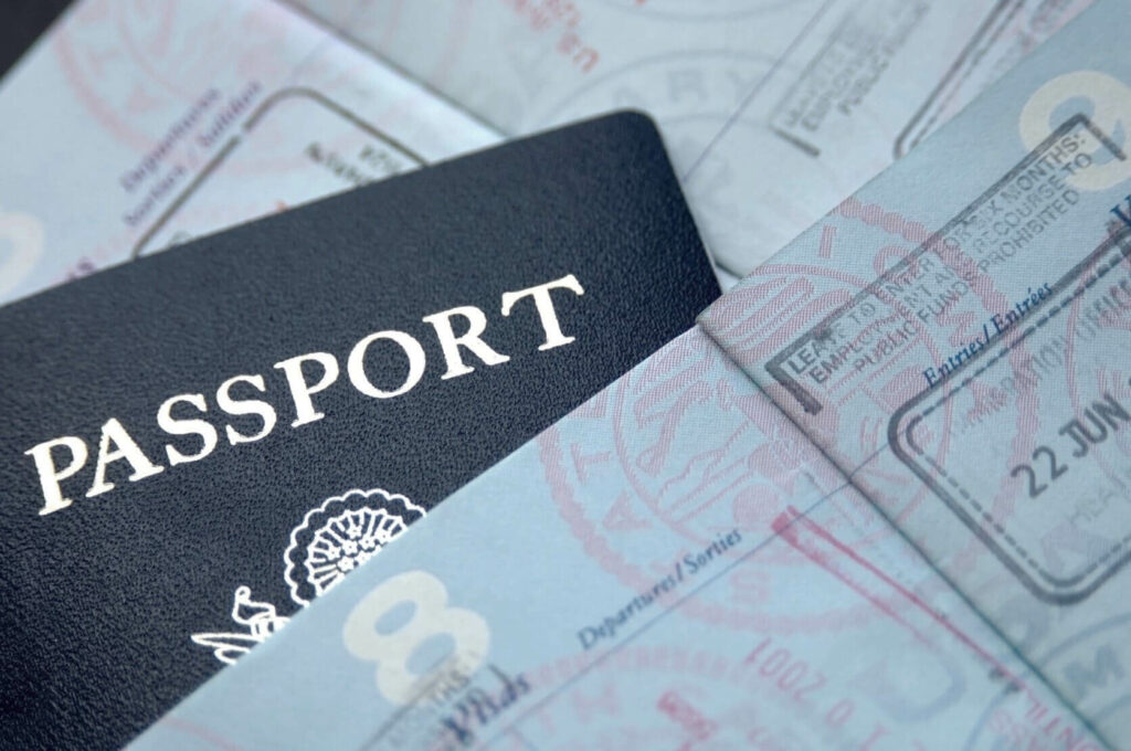 Pasaporte americano con visa de inversionista para Costa Rica.