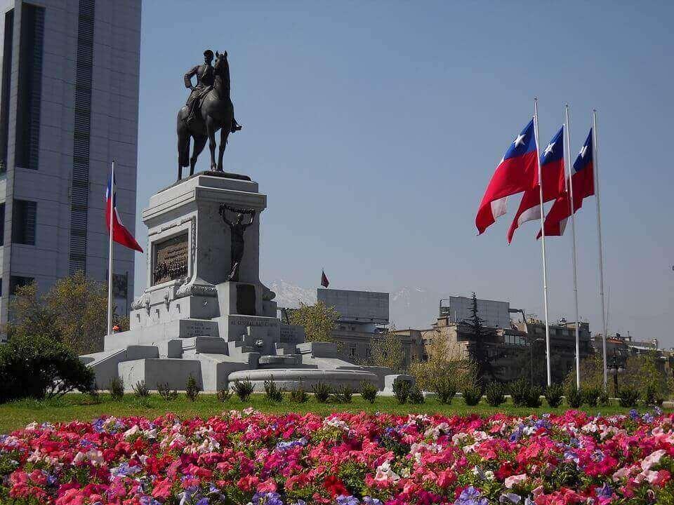 ¿Cuáles son los requisitos fiscales y contables en Santiago, Chile?