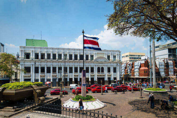 Requisitos de Contabilidad Empresarial y Fiscal de Sociedades en Costa Rica