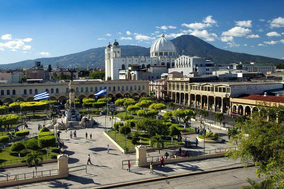 Requisitos para incorporar una empresa/sociedad en El Salvador