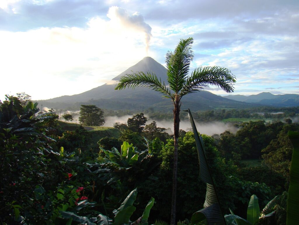Costa Rica: a country that attracts a large proportion of foreign investment in Central America