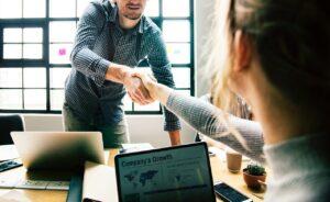 relaciones de negocios construyen confianza
