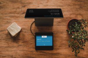 Computador com sistema de pagamento eletrônico