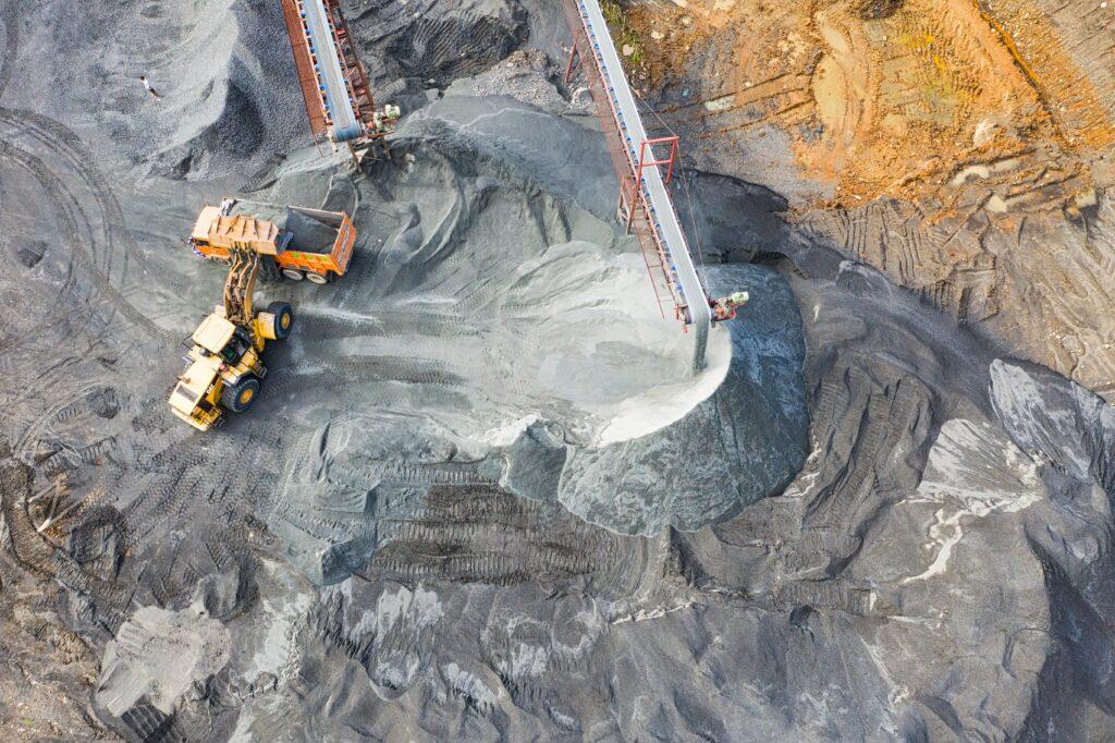 Ingresar al sector minero requiere la ayuda de un abogado minero en México