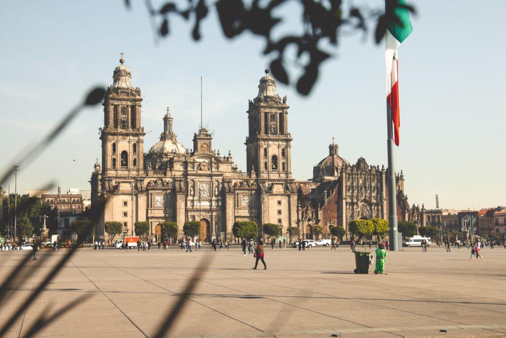 Metropolitan Cathedral of Mexico City main image Mexico work visa article