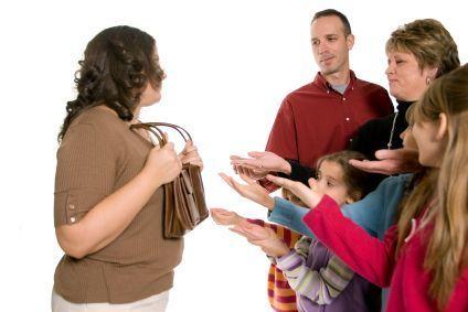 Cum să procedezi când prietenii doresc să se împrumute cu bani de la tine?