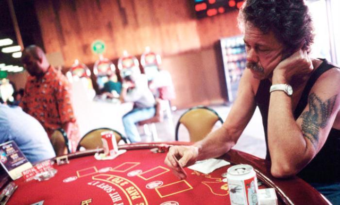 Cum să te eliberezi de dependenţa jocurilor de noroc de la cazino?