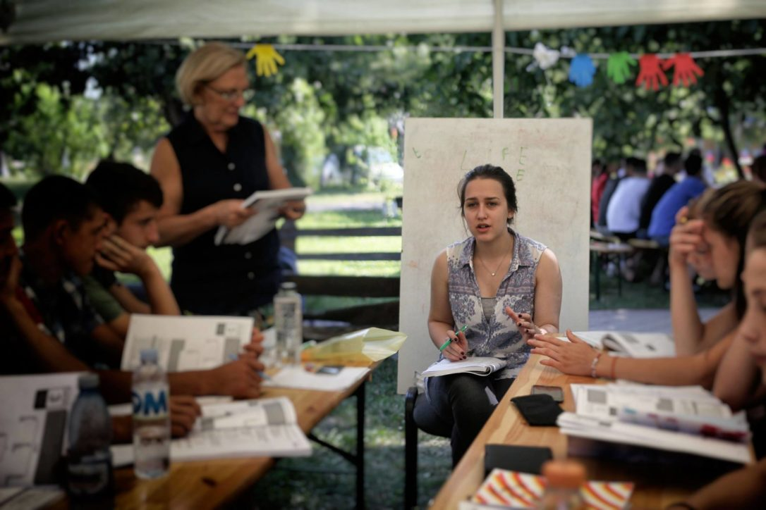 Jessica Filat, cursuri de limbă engleăz, contacte
