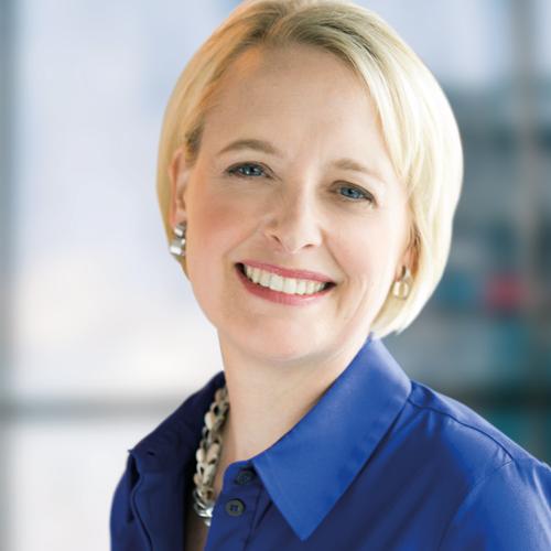 Julie Sweet | Conférencière au Somment Movin'On 2020