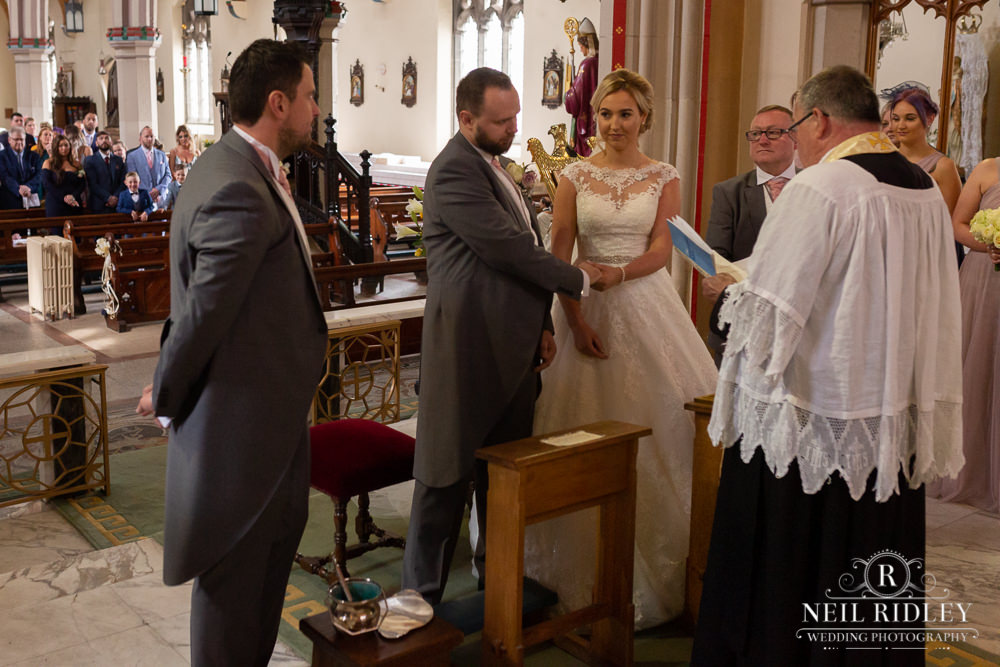 Manchester Wedding Photographer  Bridal party at altar