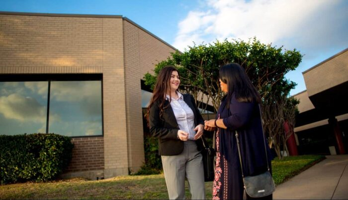 business students outside on the mesquite campus.
