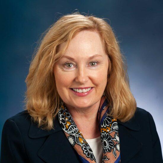 Cathy Giles Headshot.