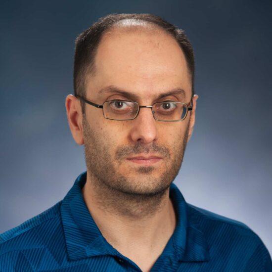 Dr. Rafael Bakhtavoryan headshot.