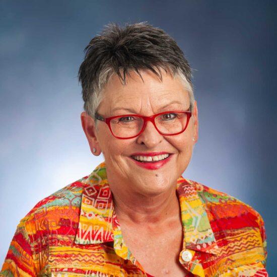 Tina Lancester headshot.