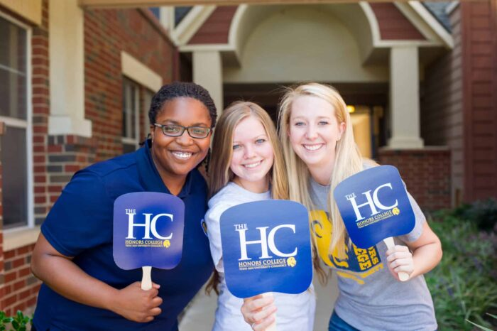 14428-Honors College staff and alumni-9426