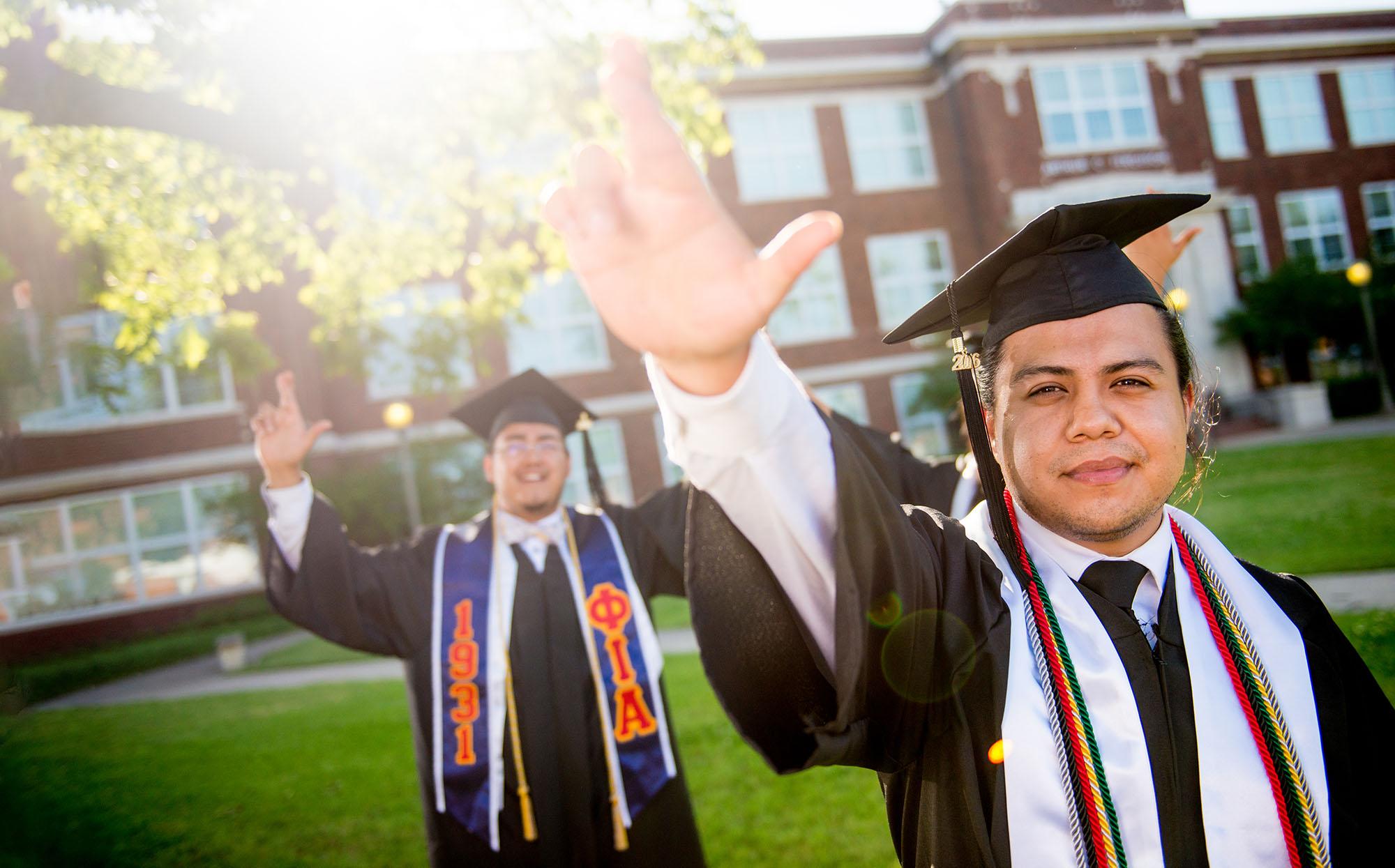 16479-HSI graduates_DSC6591-1