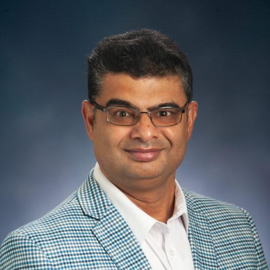 Srinivas Nippani Headshot.