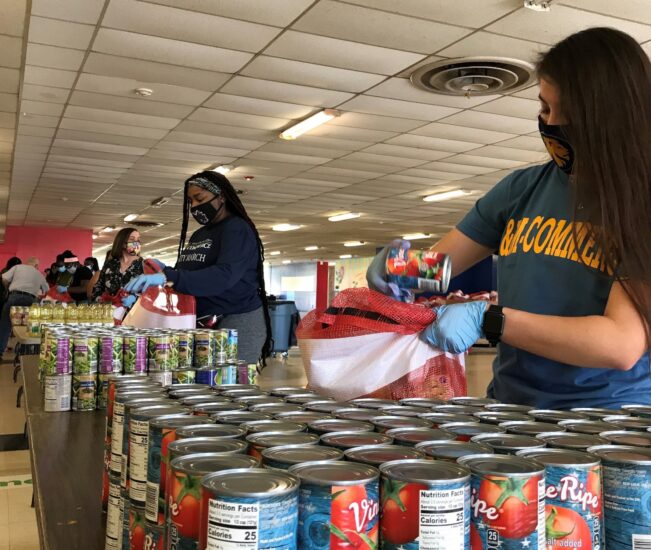 A&M-Commerce volunteers with Hunt County Gives